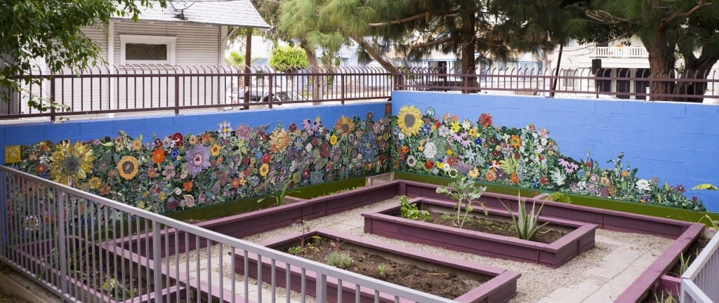 Mosaic Arts International 2016: BEST COMMUNITY PROJECT Broadway's Blooming 2015 Dawn Mendelson Long Beach, CA H 4.00' W 32.00' D 0.05' Location: Los Angeles, CA USA
